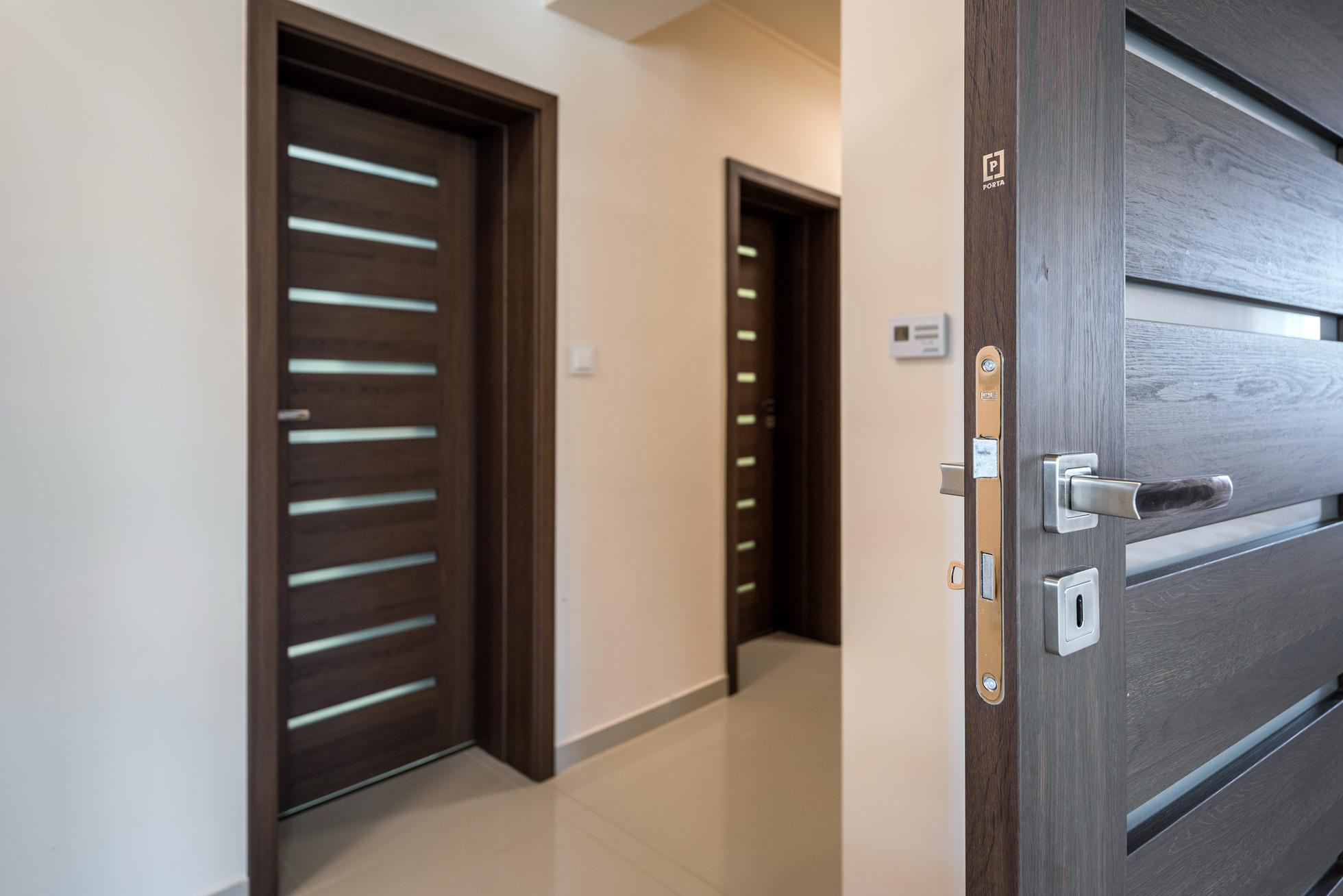 porta beltéri ajtó, kényelmes otthon