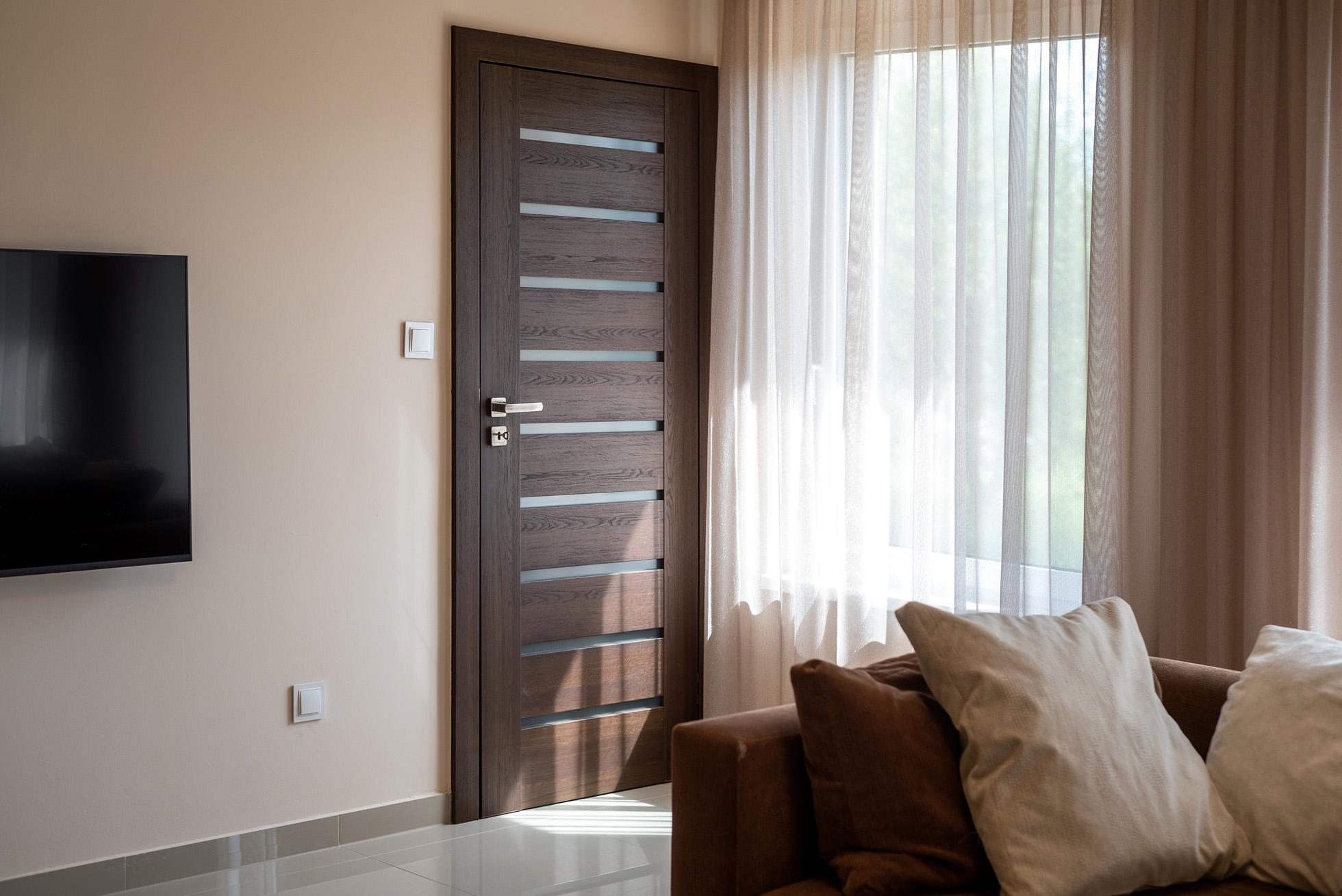 kényelmes otthon, szoba ajtó, beltéri ajtó